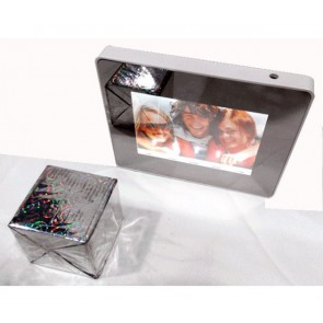MAGIC MIRROR PHOTO FRAME WITH LED LIGHT UP BATTERY OPERATED